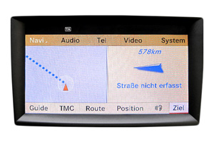 Mercedes E W212 - Navi Display Reparatur